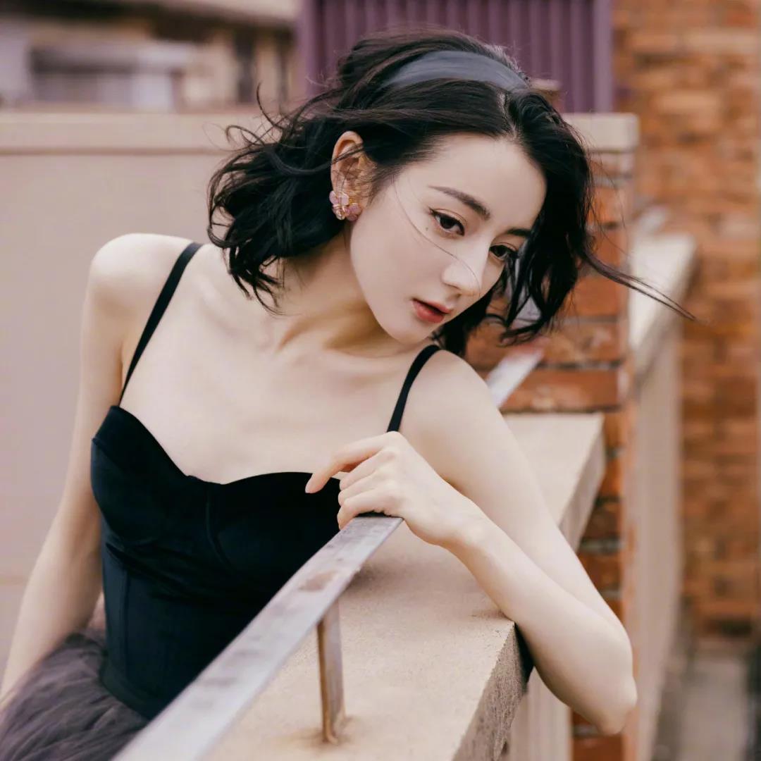 美女头像图片|优雅仙气的迪丽热巴壁纸