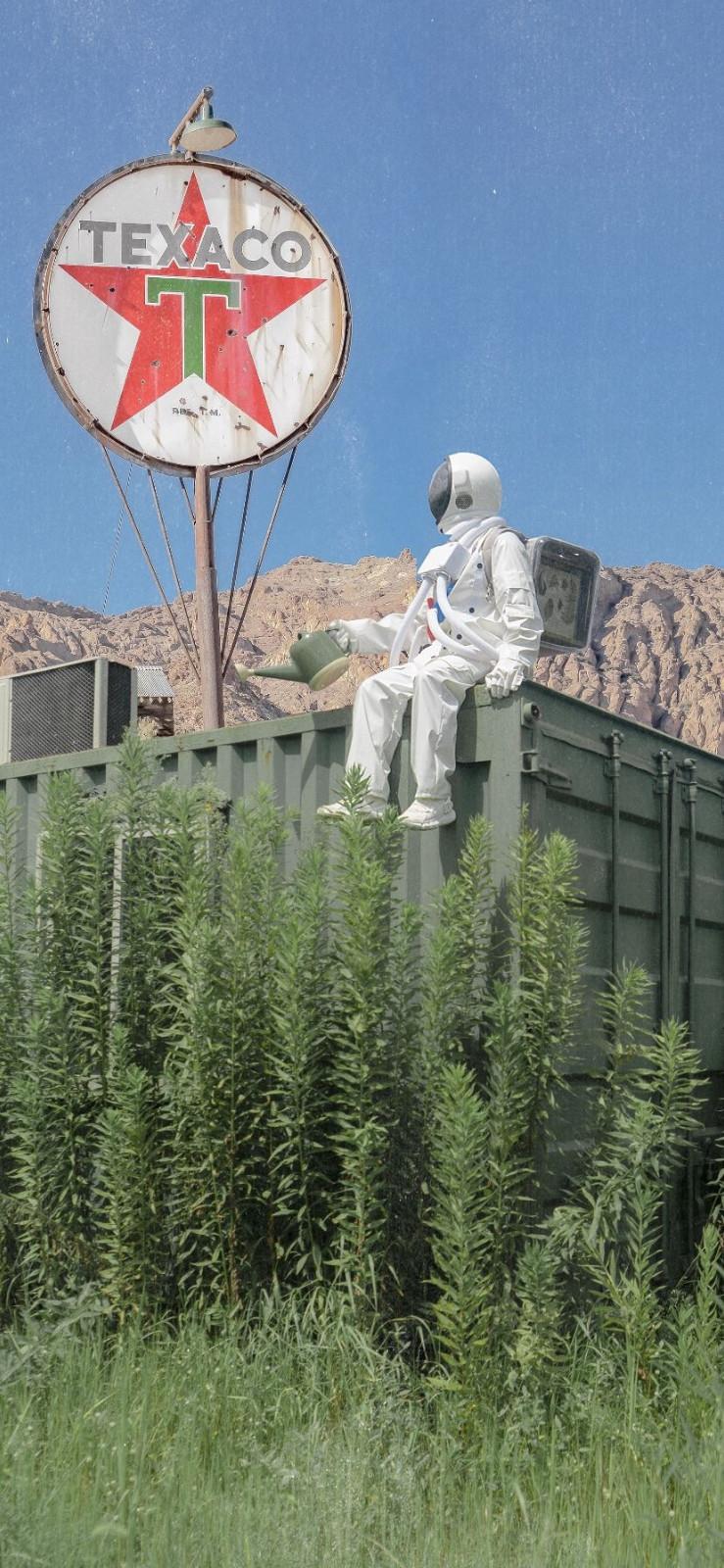 好看的壁纸图片 心怀浪漫宇宙的宇航员