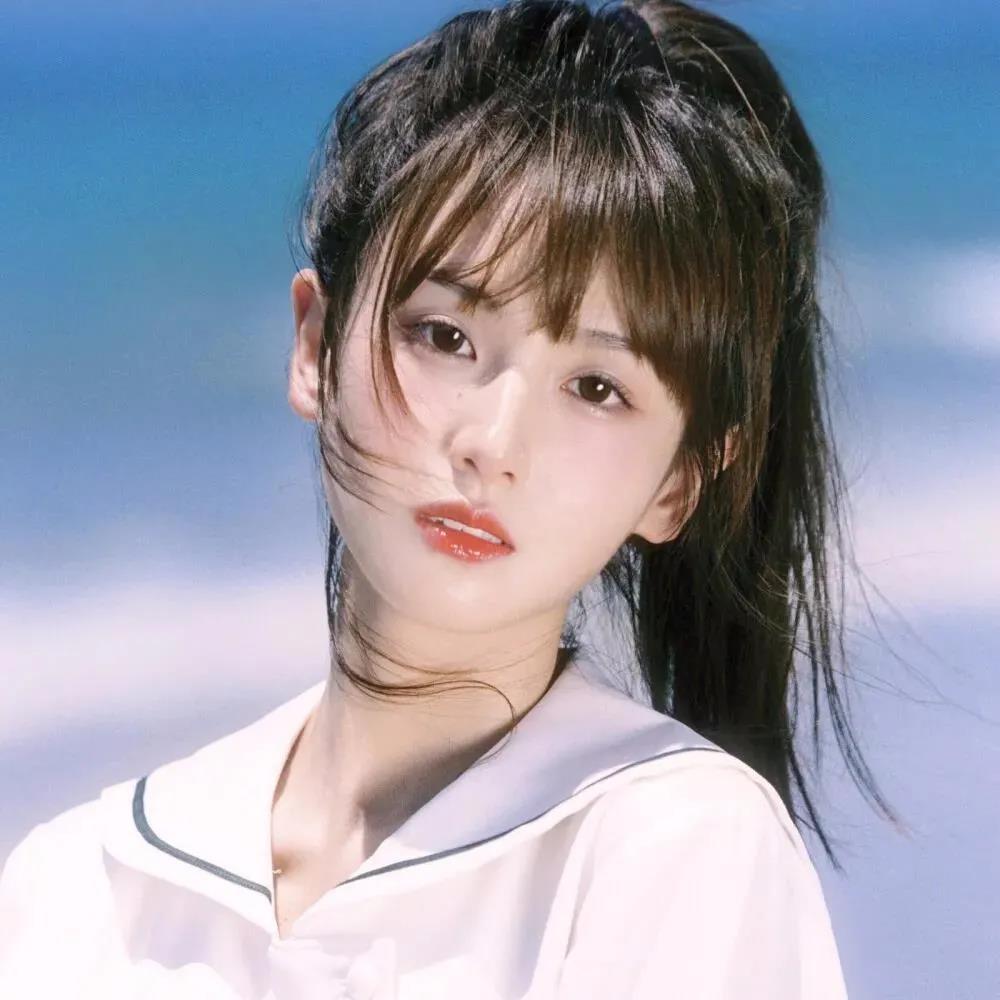 2021抖音热门纯欲风美女头像图片精选