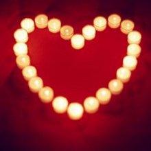 蜡烛摆的心型图片