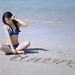 沙滩比基尼美女骨感身材