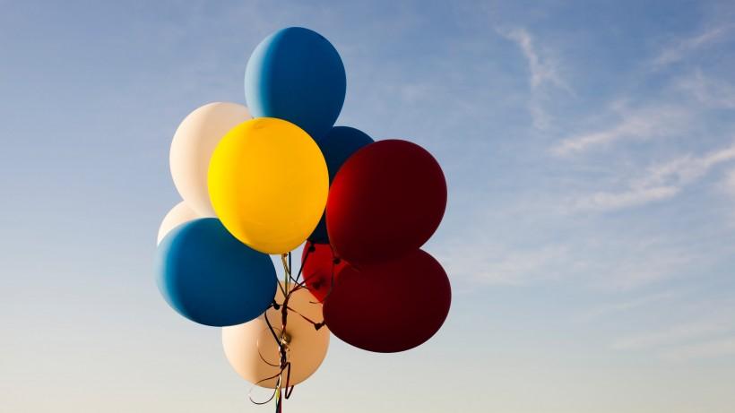 漂亮的五颜六色的气球图片大全