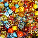 好看炫彩的玻璃弹珠玩具