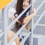 清纯美女户外活力写真图