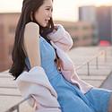 清纯美女蓝色连衣