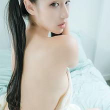 清纯白嫩的平胸美女人体大