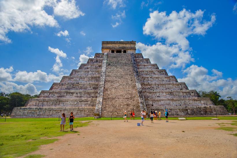 库库尔坎金字塔风景图片