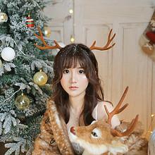 长发文艺美女圣诞节主题写