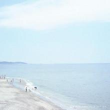 走在沙滩上看风景的唯美壁纸图片大全