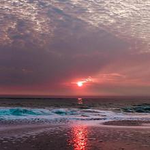 海边超美层积云红色落日夕阳壁纸图片