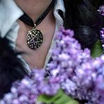 美女与紫色丁香花·伤感氛
