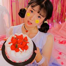 清纯草莓蛋糕少女可爱高清