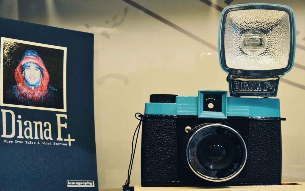 经典怀旧的物品--复古相机高清特写图片