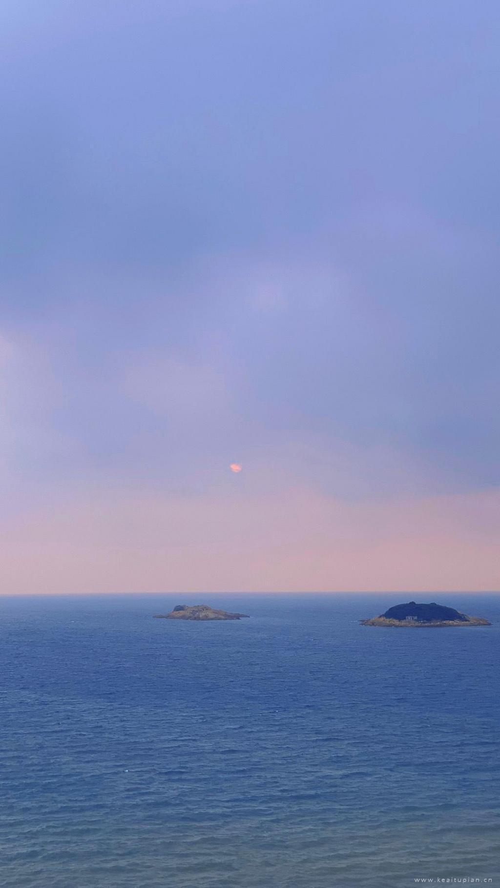 平静海面·小岛·夕阳下的唯美高清风景壁纸图片