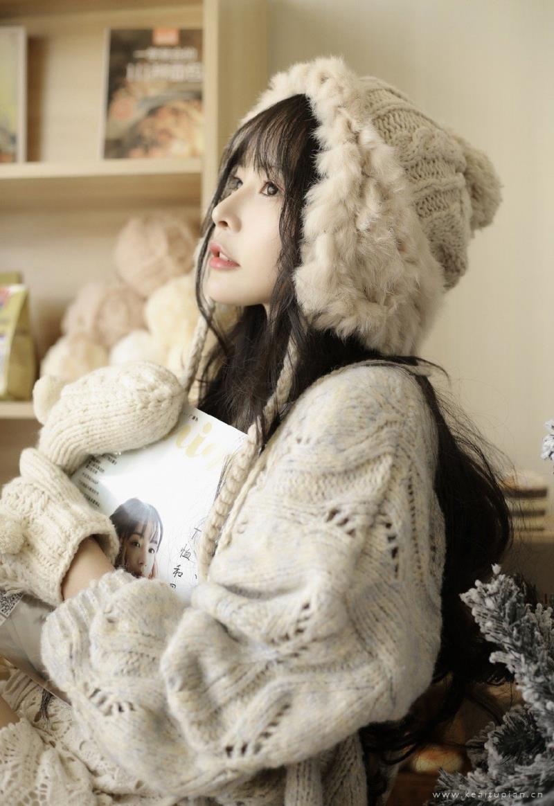 冬日里唯美好看的美女性感清纯高清写真图片
