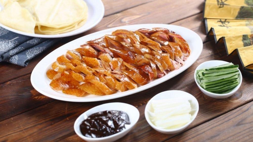 令人垂涎欲滴的美食-北京烤鸭美味高清图片