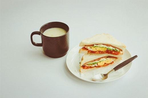 一组美味的西式早餐图片,摆盘简单却精致