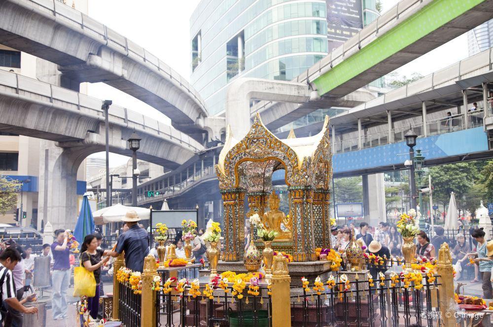 深受人们膜拜的曼谷四面佛旅游景点真实照片风