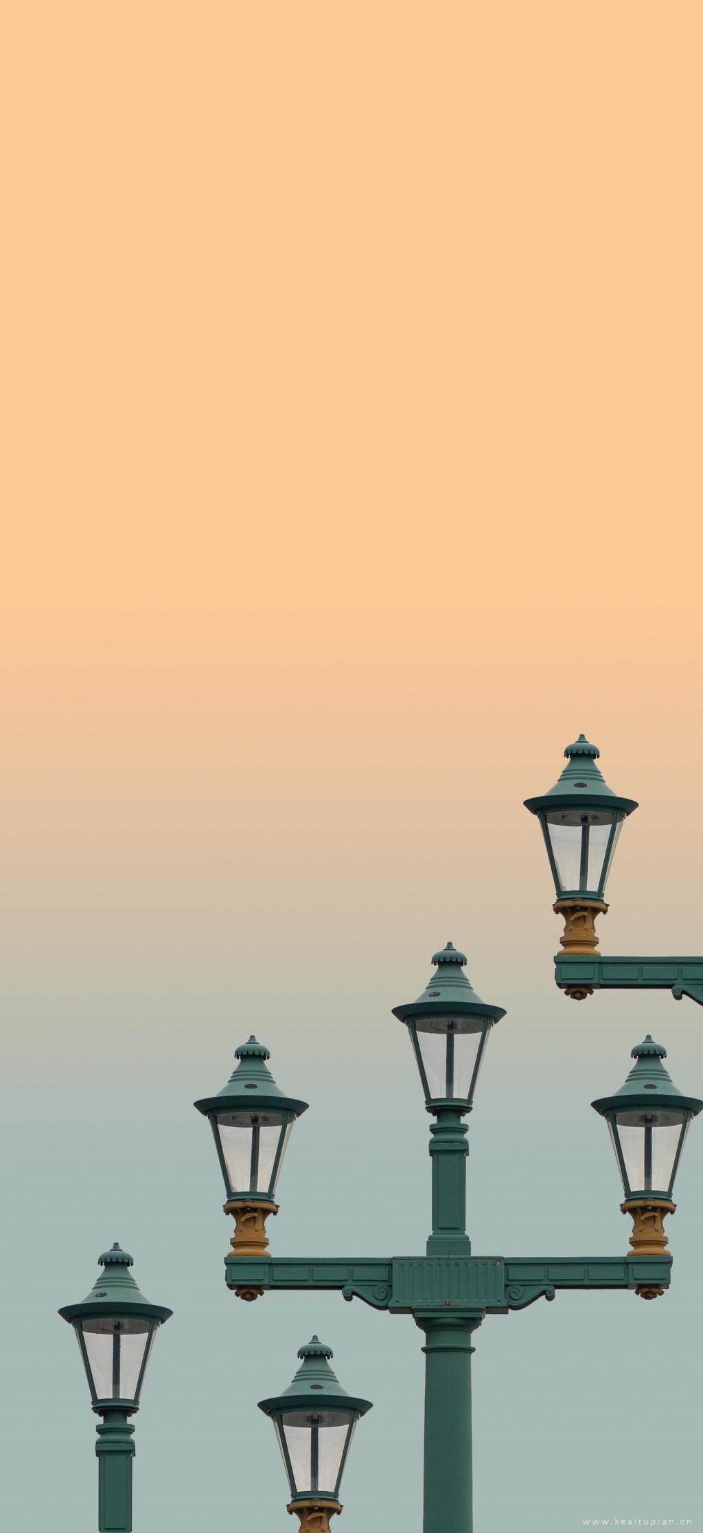 黄昏下的路灯高清唯美意境手机壁纸图片