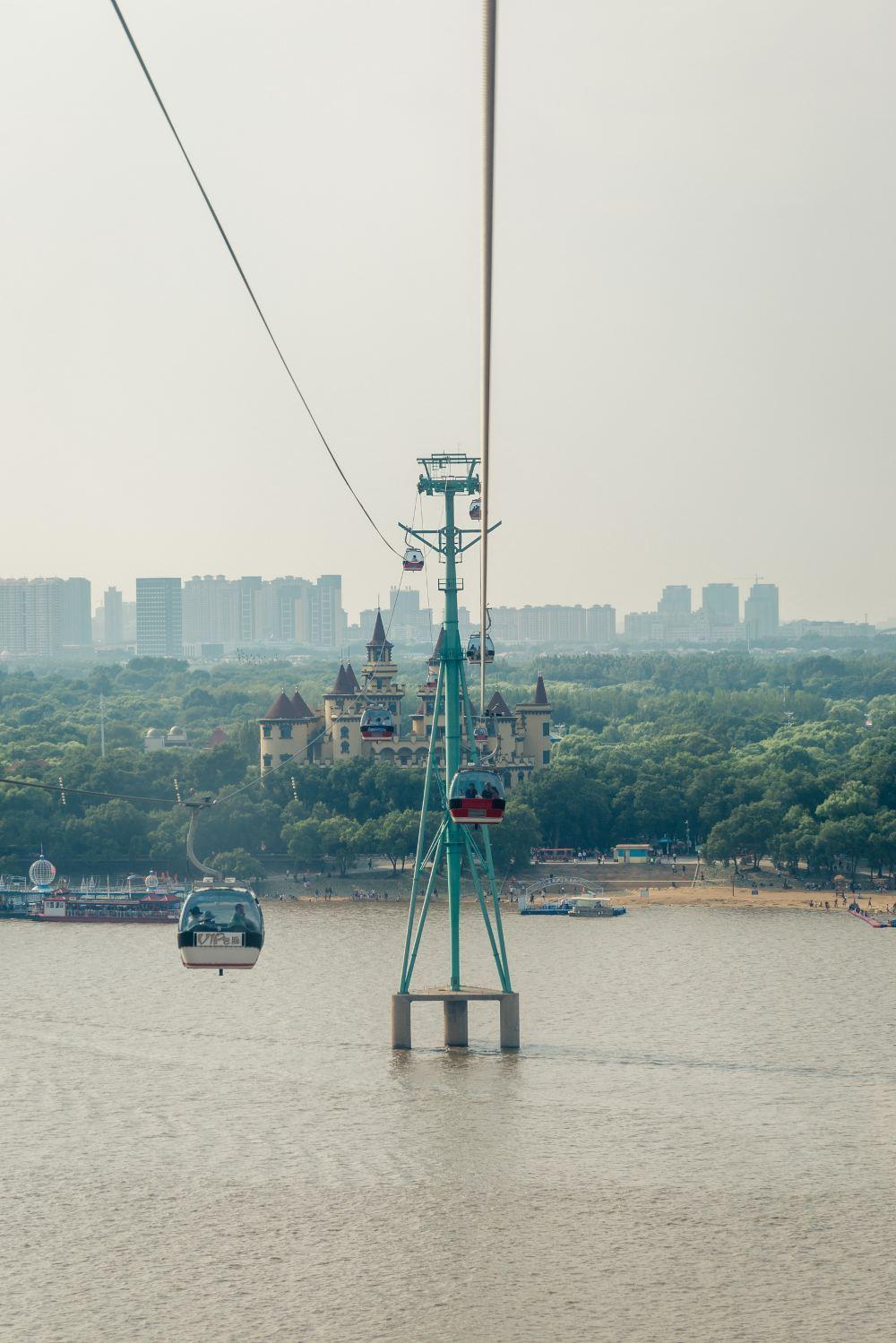 高清哈尔滨松花江观光索道旅游景点风景美图