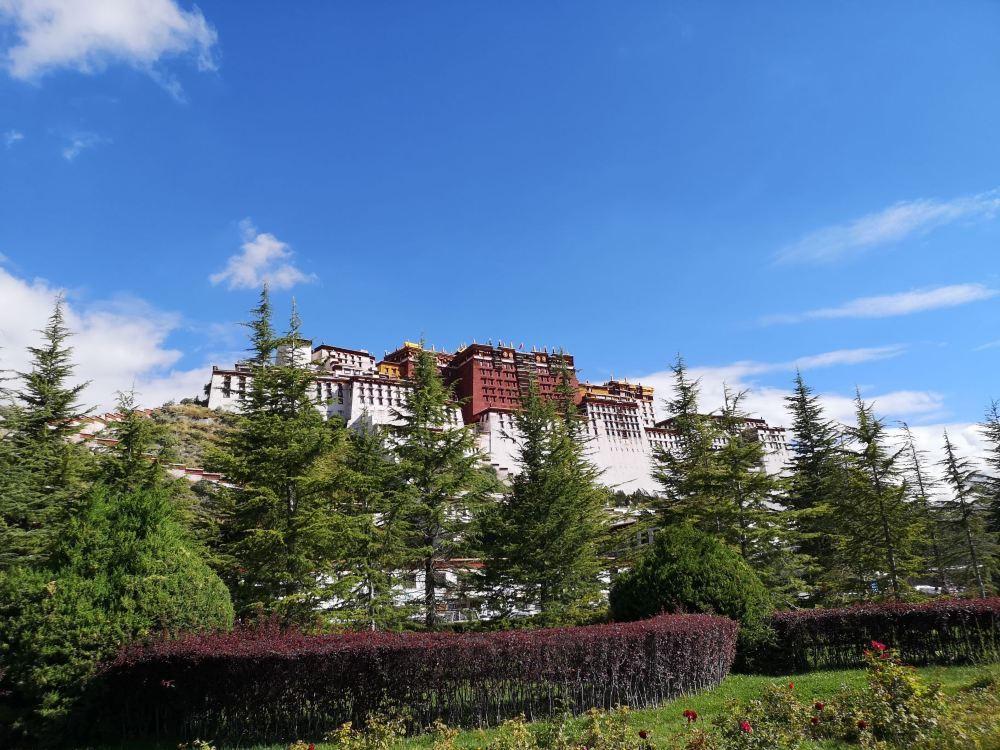 拉萨药王山高清旅游风景照片