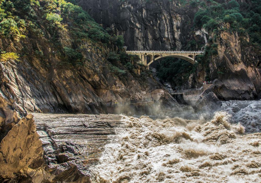 虎跳峡(香格里拉段)旅游景点高清风景图片