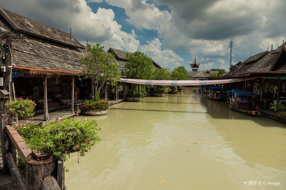 芭堤雅市四方水上市场旅游风景美图
