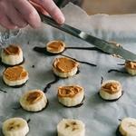 鲜香蕉脆皮巧克力糖果制