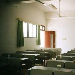 安静的高考毕业后校园图片