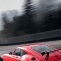 红色超酷跑车飞驰