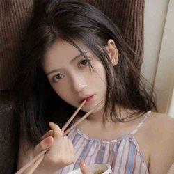 可爱美少女吊带短裙私房小清新写真图片