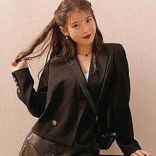 IU李知恩黑色时尚穿搭造型