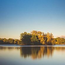 水中倒影唯美风景高清桌面