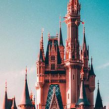公主居住的森林城堡唯美高