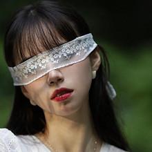 气质长发美女白色蕾丝长裙